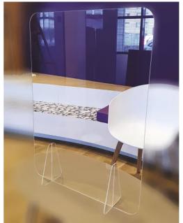 Vitre de protection en Plexiglass, épaisseur 3 mm et pieds 8 mm, largeur 75 cm